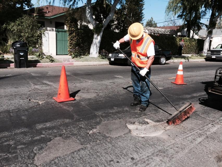 Small Asphalt Repairs in Canoga Park