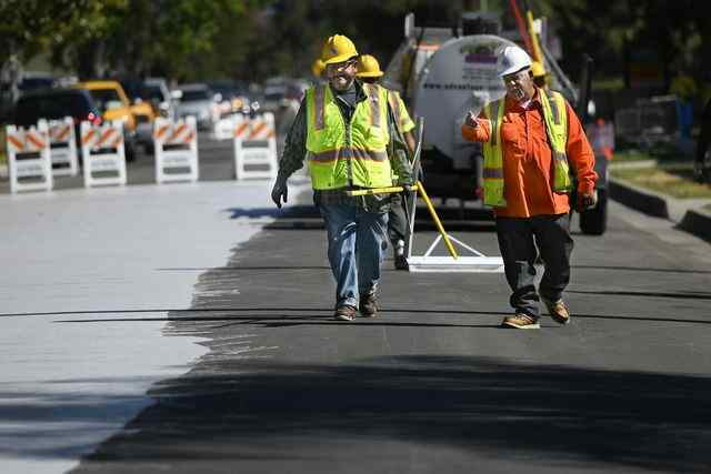 """Cool Pavement"" to Cut Urban Street Heat Gets First California Tryout in Canoga Park"